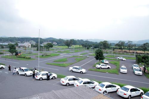 【通学】中型一種 (普通車MT所持)(写真はイメージです)