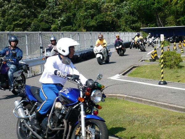 【通学】小型二輪MT 標準コース(大型・普通車免許)(写真はイメージです)