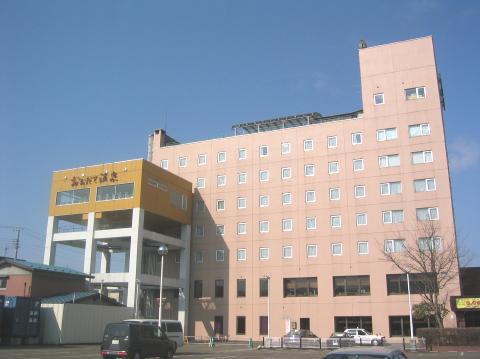 秋田北部自動車学校:ロイヤルホテル大館