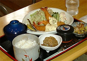 広島県・備南自動車学校・食事例