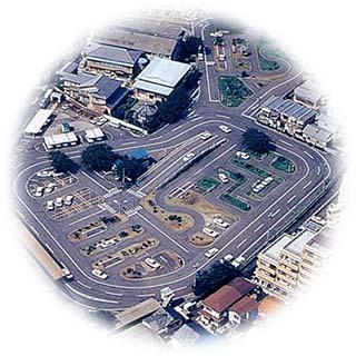 京都府自動車学校の教習所写真