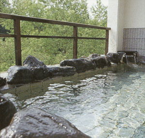 対滝閣 露天風呂